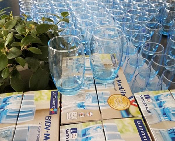 Hướng dẫn cách làm sạch cốc thủy tinh bị mờ | quà tặng thuỷ tinh pha lê An Gia