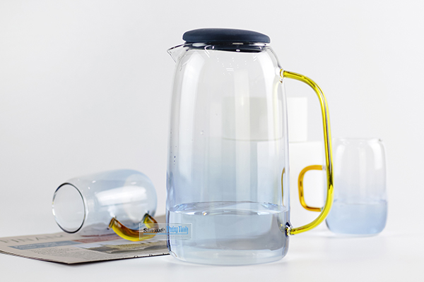 Quà tặng bình nước thủy tinh in logo làm quà tặng doanh nghiệp tại tphcm và hà nội